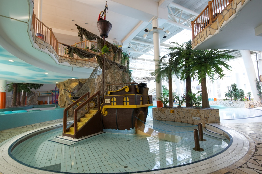Dive into a viennese swimming pool vienna insightvienna insight - Bad homburg swimming pool ...