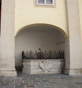 Schweizerhofbrunnen - Hofburg Vienna