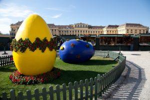 Easter market at Schoenbrunn Castle (c) Foto Schiffl
