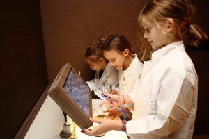 Microscope laboratory, ZOOM Children's museum, copyright J.J. Kucek